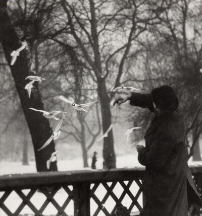 Emil Otto Hoppé, 'Feeding the Birds in Winter, St James's Park, London', 1919