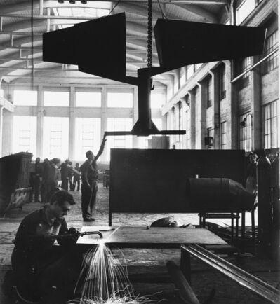Ugo Mulas, 'Lynn Chadwick, Italsider Savona', 1962