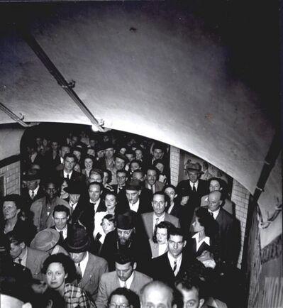 Robert Doisneau, 'Le métro, Paris', 1945