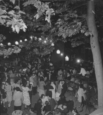 Robert Doisneau, 'Les bals du 14 Juillet, Paris', 1950