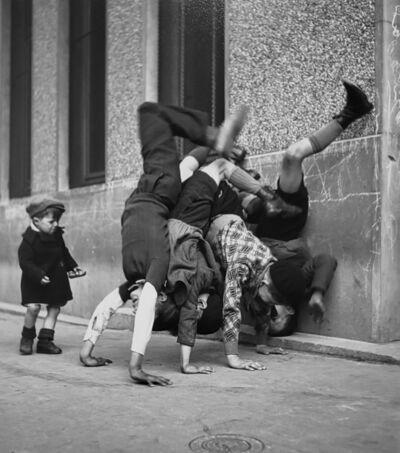 Robert Doisneau, 'Les Pieds au Mur', 1934