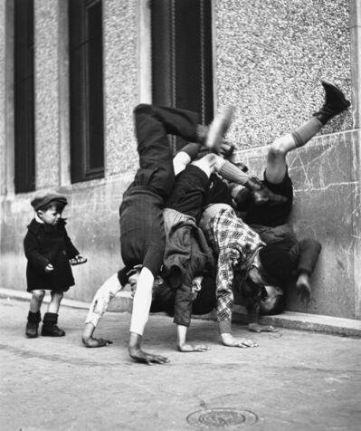 Robert Doisneau, 'Les Pieds au Mur.', 1980s