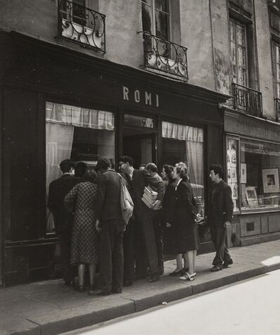 Robert Doisneau, 'Crowd Gathered in Front of Romi's Antique Shop', 1948