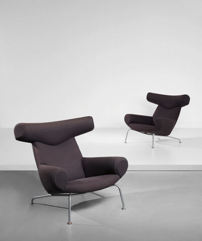 Hans Jørgensen Wegner, 'Pair of 'Ox' lounge armchairs, model no. AP-46', designed 1960