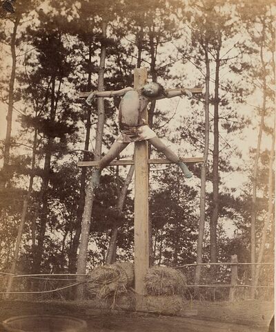 Felice Beato, 'Il servo Sokichi crocifisso a 15 anni, Kizo, Giappone', 1865-1868