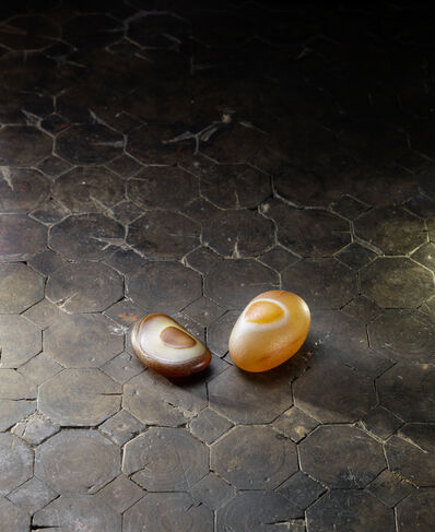 Unknown Artist, 'A deep russet and creamy agate pebble 耳形瑪瑙卵石 | A yellow and russet agate pebble 圈紋瑪瑙卵石'