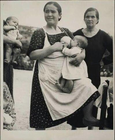Kati Horna, 'Madres amantando', ca. 1932
