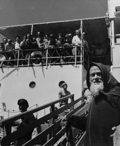 Robert Capa, 'Israel, people disembarking', 1948-1950