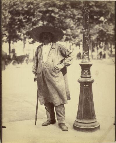 Eugène Atget, 'Fort de la Halle (Market Porter)', 1899-1900