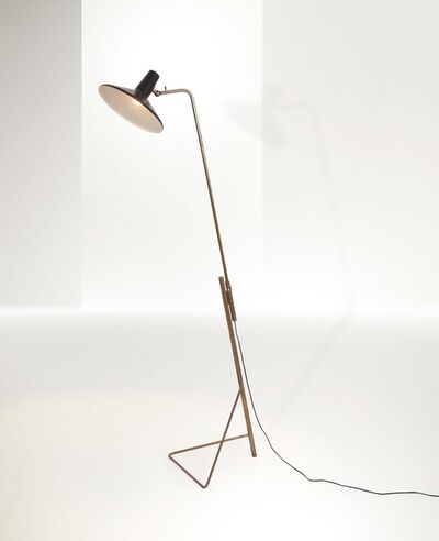 Gino Sarfatti, 'a mod. 1045 extendable floor lamp with a brass structure and lacquered aluminum diffuser', 1940 ca.