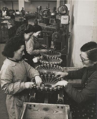 François Kollar, 'Sans titre [Fabrication des moulins à légumes, Usine Moulinex, Alençon, Orne]', ca. 1950