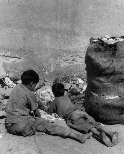 Rodrigo Moya, 'Lectura basura, Periferia, México D.F.', 1958