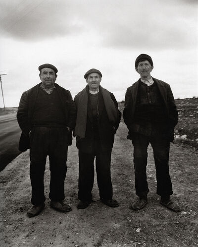 Evelyn Hofer, 'On the road (three men)'