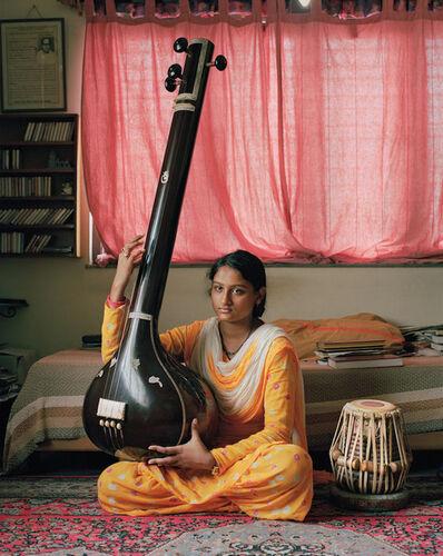 Patrick Faigenbaum, 'Le maître Amiya Ranjan Bandyopadhyay et ses musiciens, pendant une séance d'exercice quotidien, chez lui, Salt Lake, Kolkata nord-est', 2014