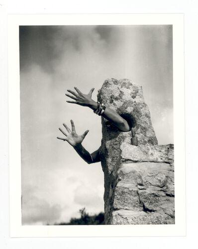 Claude Cahun, 'Je Tends Les Bas, 1931'