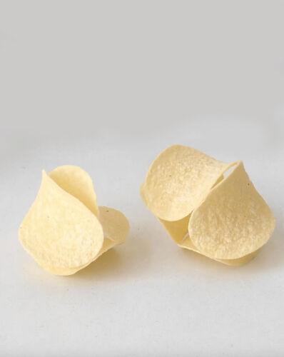Valerian Goalec, 'Balancing Pringles ', 2020