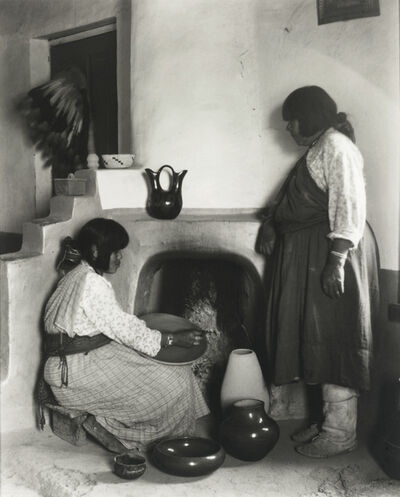 Laura Gilpin, 'The Potters of San Ildefonso', 1925