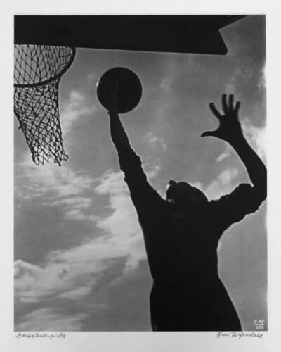 Leni Riefenstahl, 'Basketballspieler', 1936