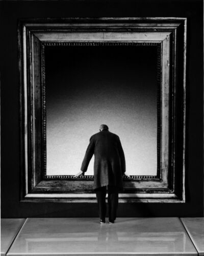 Gilbert Garcin, '169 - L'Attraction du Vide (The attraction of the void)', 2001