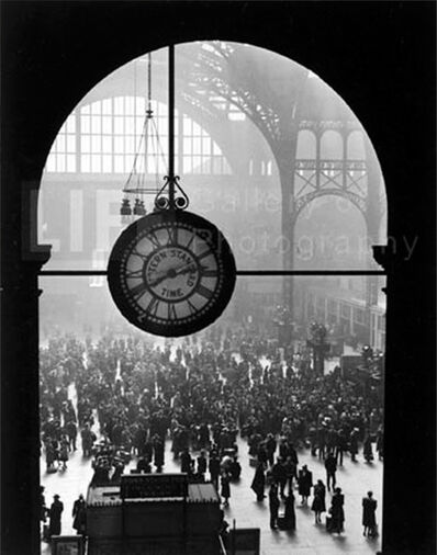 Alfred Eisenstaedt, 'Farewell to Servicemen, Pennsylvania Station, New York', 1943