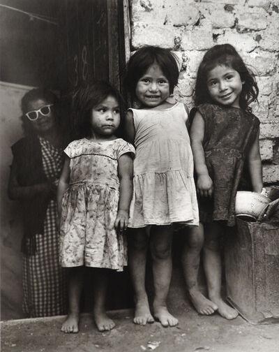 Rodrigo Moya, 'Las tres gracias, Calle Taulebe, Tacuba, Ciudad de México', 1959