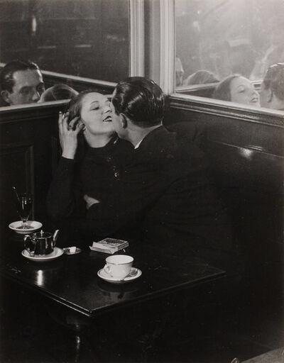 Brassaï, 'Couple d'amoureux dans un petit cafe, quartier Italie', 1932 / printed 1950s