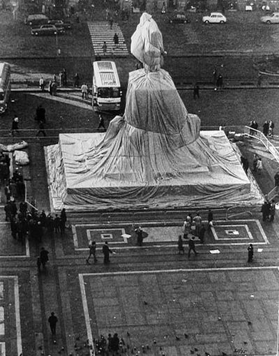 Ugo Mulas, 'Christo's Wrapped Monument to Vittorio Emanuele', 1970
