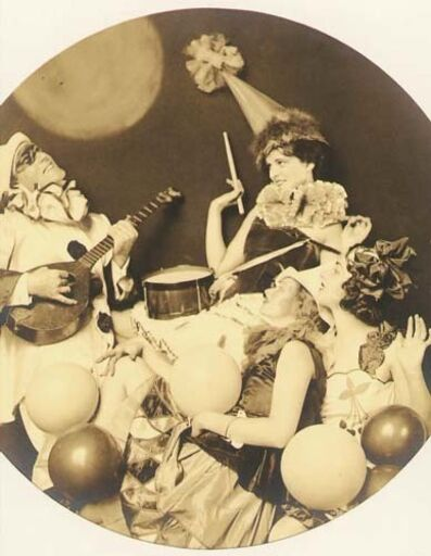 Alfred Cheney Johnston, 'Pierrot Serenading Three Women', 1920s/1920s