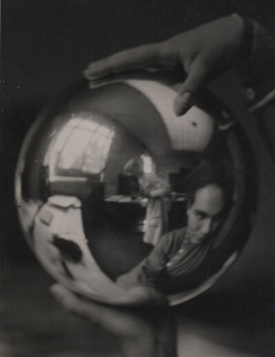 Elisabeth Hase, 'Julia Feinberger hält die Kugel und ich fotografiere (Julia Feinberger holds the ball and I photograph)', 1927