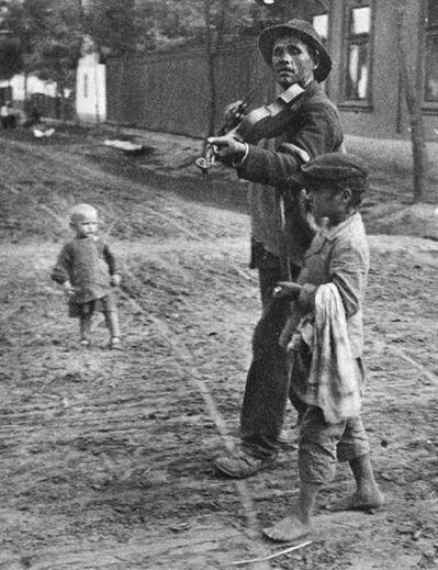 André Kertész, 'Abony, Hungary', 1921