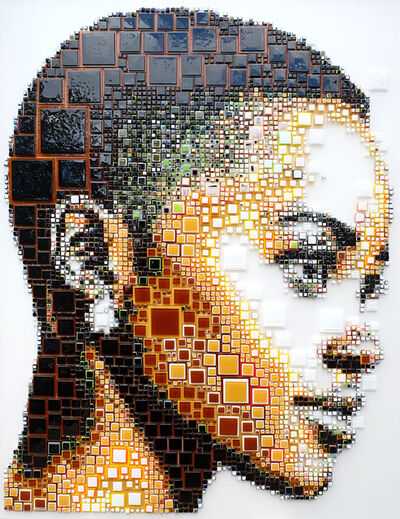 "Isabelle Scheltjens, '""Asis"" -- glass fusing, pointillism, dots, optical effects, pop art, pop culture, beauty, magical, aesthetic, model, celebrity, Lupita Nyong'o  ', 2017"