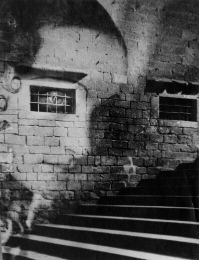 Kati Horna, 'Subida a la Catedral, Barcelona (Ascending to the Cathedral)', 1938