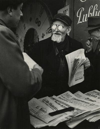 Brassaï, 'Camelot de journaux', 1948