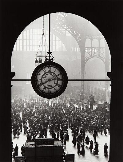 Alfred Eisenstaedt, 'Farewell to Servicemen, Pennsylvania Station, New York City', 1943