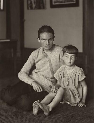 August Sander, 'Mutter und Tochter [Helene Abelen mit Tochter Josepha] (Mother and Daughter [Helene Abelen with Daughter Josepha])', ca 1926 (printed 1990)