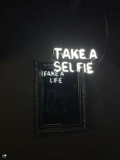 Camilo Matiz, 'Take a selfie / Fake a life'