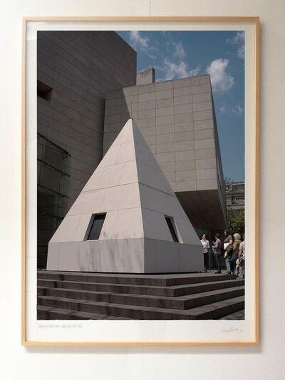 """Leandro Erlich, '""""La punta - La Democracia del Símbolo""""', 2015"""