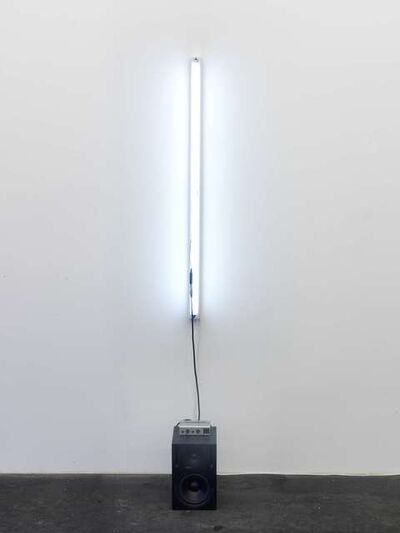 Alicja Kwade, 'Kommunikative Fernwirkung', 2010
