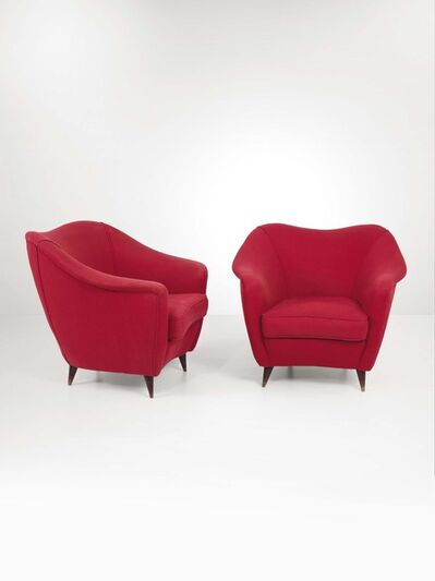 Gio Ponti, 'A pair of armchairs with a wooden structure and fabric upholstery', 1940 ca.