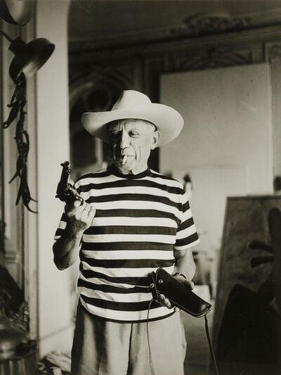 André Villers, 'Picasso avec le revolver et le chapeau offert par Gary Cooper', 1959