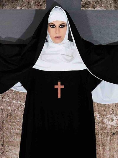 Cecile Plaisance, 'Olga : Nun on cross (proche)', 2018