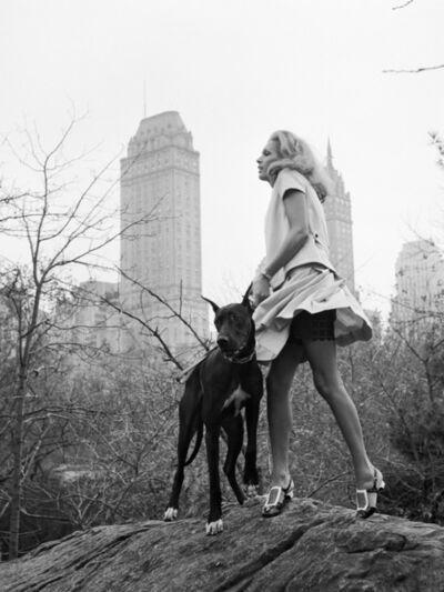 Jacques Henri Lartigue, 'Avec Isa Stoppi à Central Park pour Harper's Bazaar, New York, Novembre', 1966