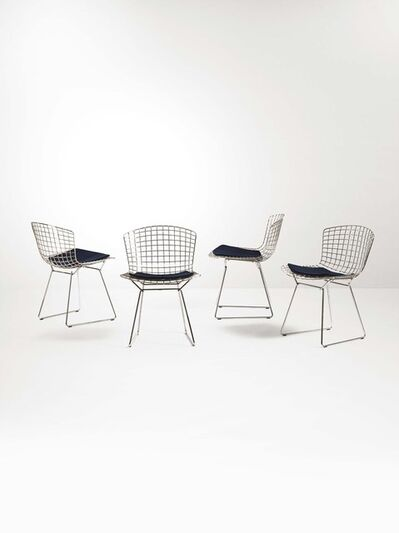 Harry Bertoia, 'Four mod. 420c chairs with a chromed metal structure and fabric upholstery', 1960 ca.