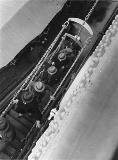 Elisabeth Hase, '5 Men with Hats Coming On Board', 1934