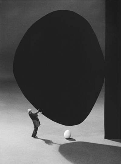 Gilbert Garcin, '300 – La précarité (d'après Robert Motherwell) Precarity (after Robert Motherwell)', 2005