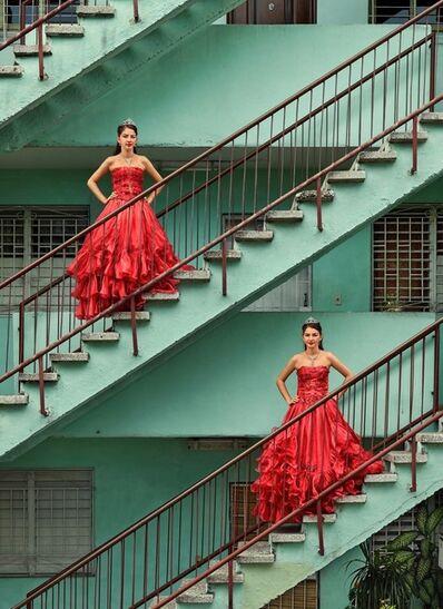 Frank Thiel, 'Kiara Isabel & Karla Amelia Soliño González, La Habana, Plaza de la Revolución, Nuevo Vedado', 2016