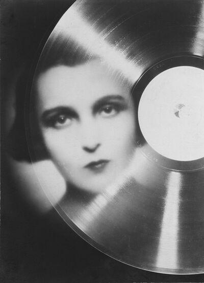 """François Kollar, 'Étude publicitaire pour """"Magic Phono"""", portrait de Marie Bell en photomontage', 1930"""