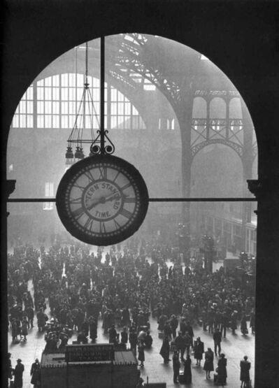 Alfred Eisenstaedt, 'Farewell to Service Men, Penn Station', 1943