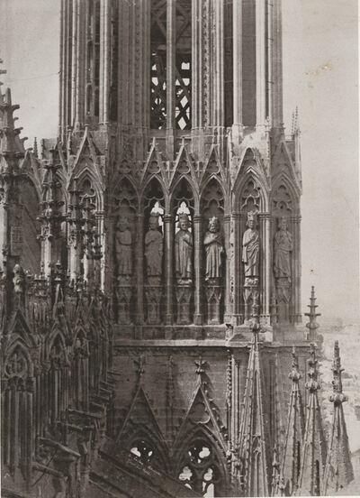 Jean-Louis-Henri Le Secq, 'Reims. Cathédrale Notre-Dame. Portail de droite. Gâble: Christ de l'Apocalypse entouré des anges portant les instruments de la passion', 1852c/1870