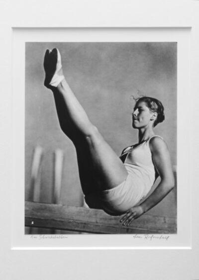 Leni Riefenstahl, 'Am Schriebebalken (Balance Beam)', 1936